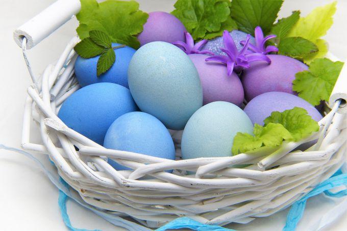 Как покрасить яйца капустой