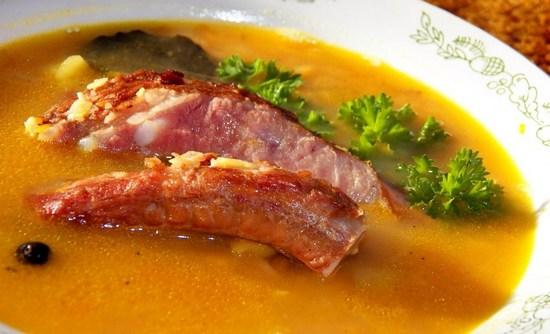 Как сварить гороховый суп с копчеными ребрышками в мультиварке