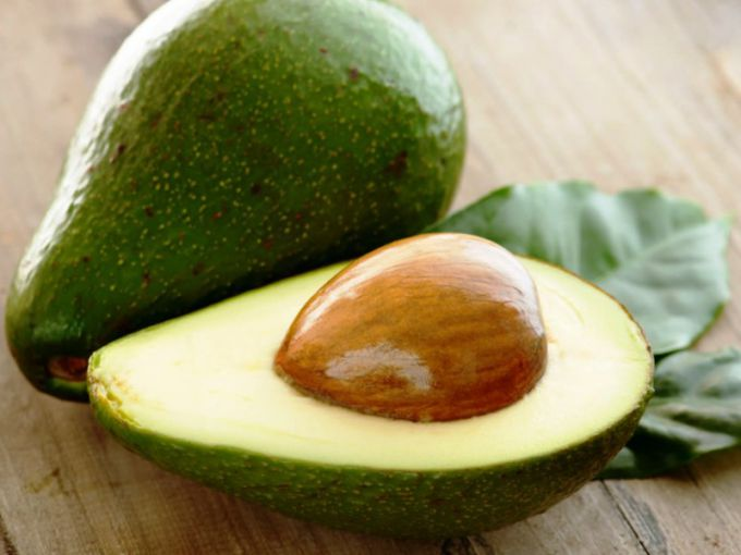 How to strengthen hair with avocado stone