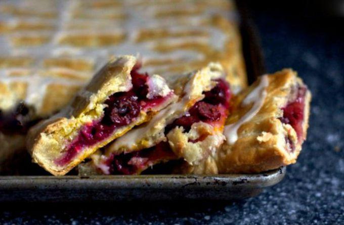 Как приготовить вишневый пирог: простой пошаговый рецепт