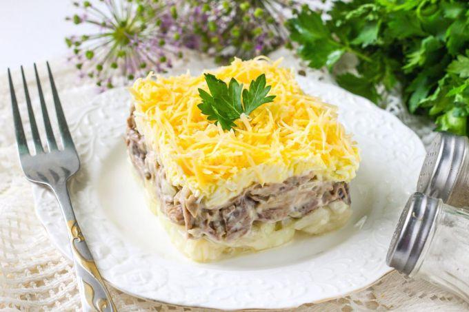 """Как приготовить салат """"Мужские грезы"""" с говядиной"""
