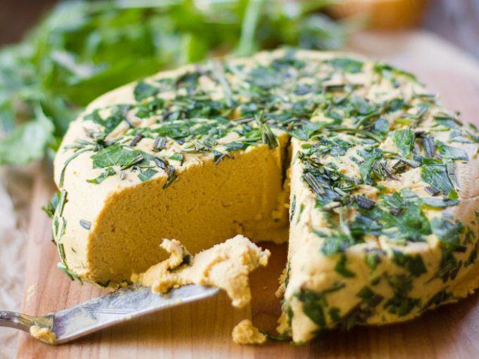Как приготовить веганский сыр