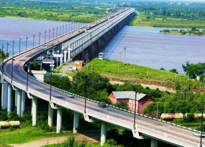 Мост через Амур – одно из ярких украшений Хабаровска