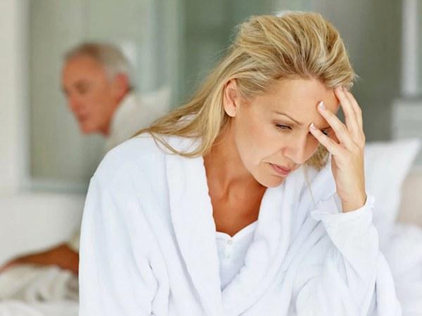 Климакс у женщин: симптомы, возраст, лечение, признаки, проявления