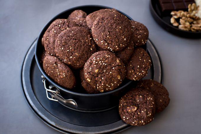 Как сделать вкусное шоколадно-имбирное печенье с кунжутом