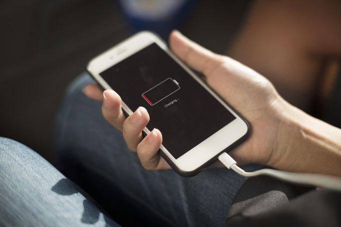 Как зарядить сотовый телефон без электричества