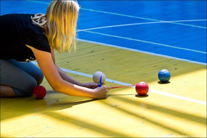 Игра мячами в бочче