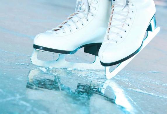 В каких коньках вам будет удобно на льду