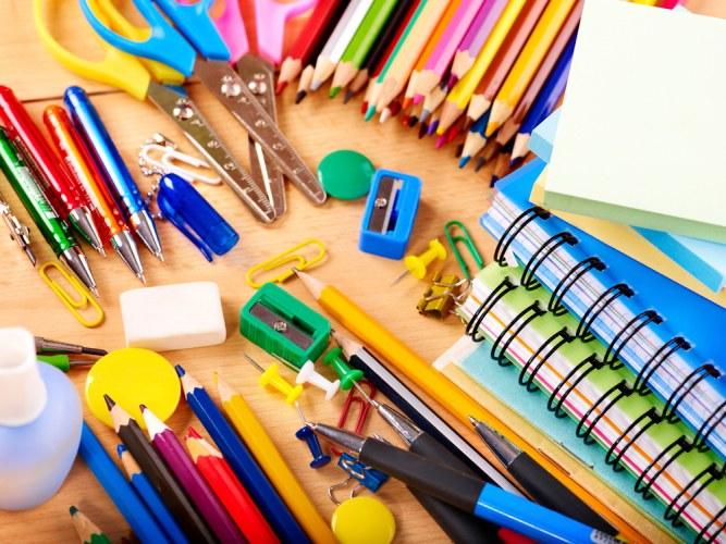 Оружие из офисных принадлежностей: идеи к 23 февраля