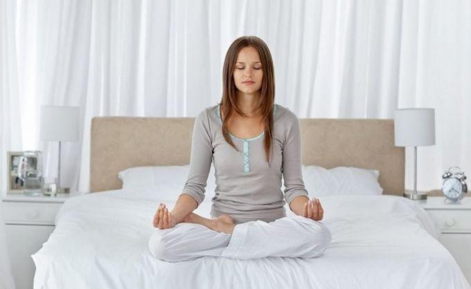7 упражнений йоги для крепкого и здорового сна