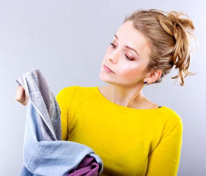 Как убрать пятна от смолы