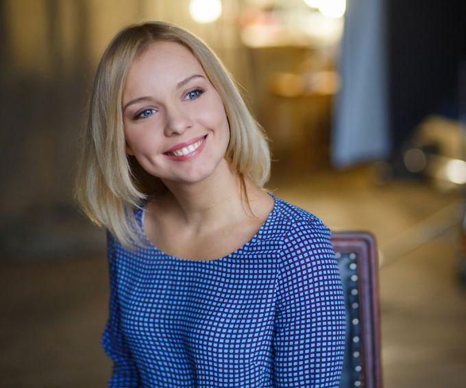 Приятное лицо узнаваемой актрисы