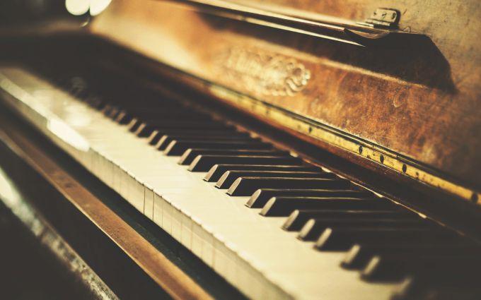 Как просто научиться играть на фортепиано самостоятельно?