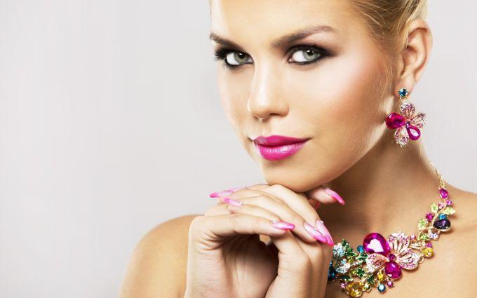 Какие ювелирные украшения должны быть у каждой женщины?