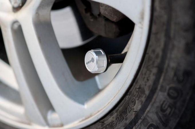 Принцип работы датчика давления в шинах: обзор, особенности
