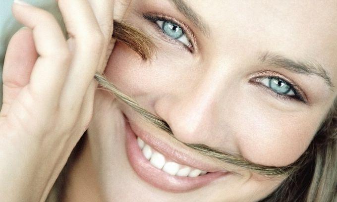 Волоски над верхней губой
