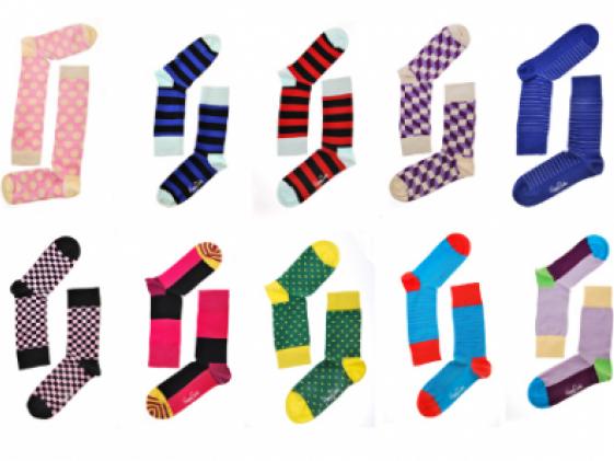 Даже на фабрике по изготовлению носков бывают проблемы со спариванием носков: источник  https://yhaosocks.ru/process-involved-in-custom-socks-design-manufacturing-guideline/