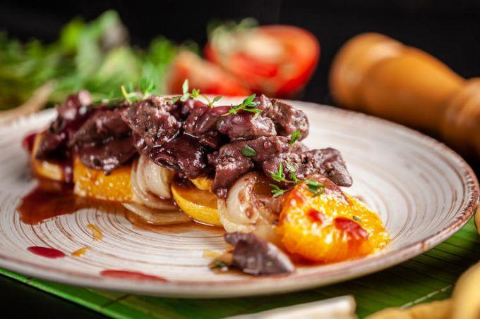 Как приготовить гуляш из говядины с овощами и апельсином