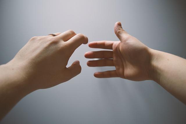 Как выявить болезни по рукам