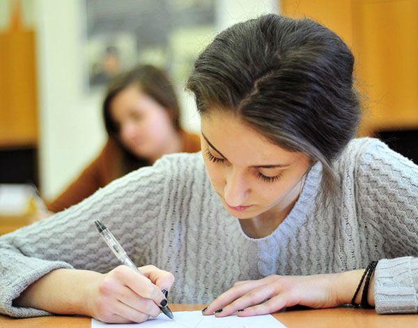 Как писать сочинения на лингвистическую тему?
