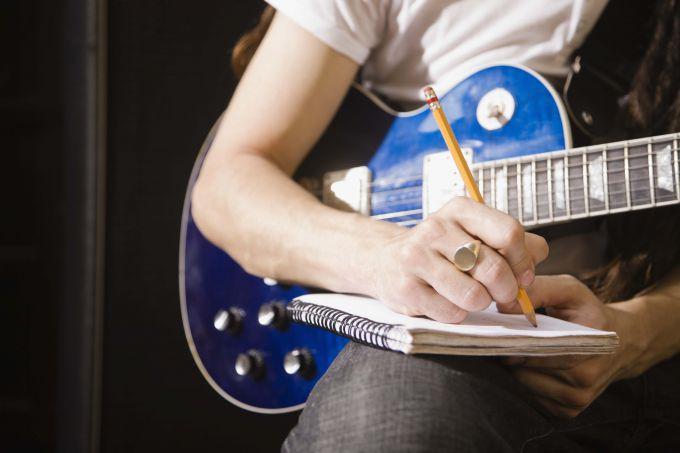 Как написать песню: несколько советов начинающим