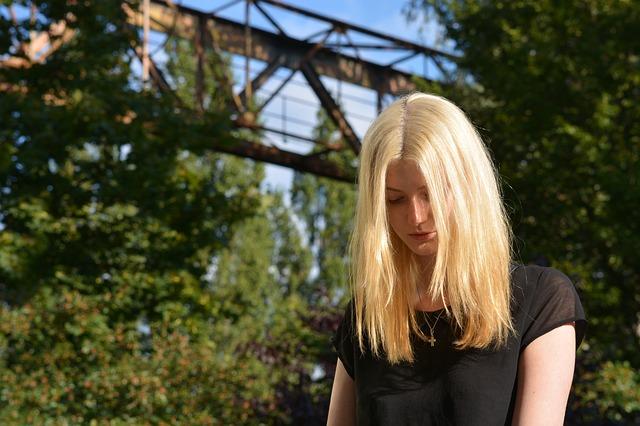 Причины застенчивости и неуверенности в себе
