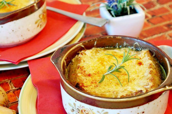 Как приготовить суп из лука по-французски