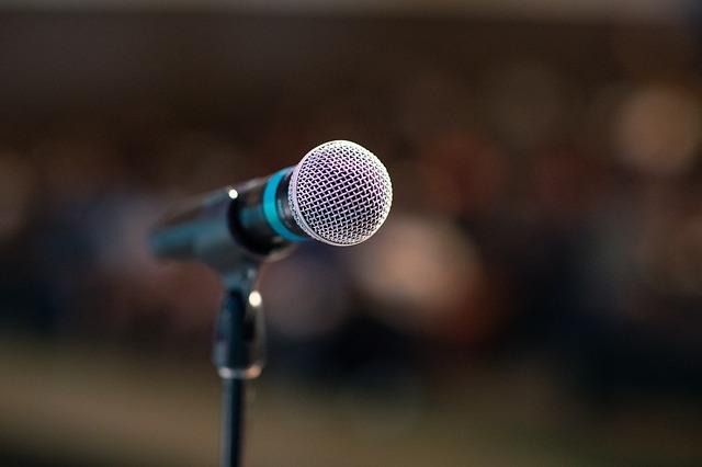 Как держаться на сцене