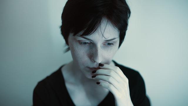 Каковы первые симптомы шизофрении