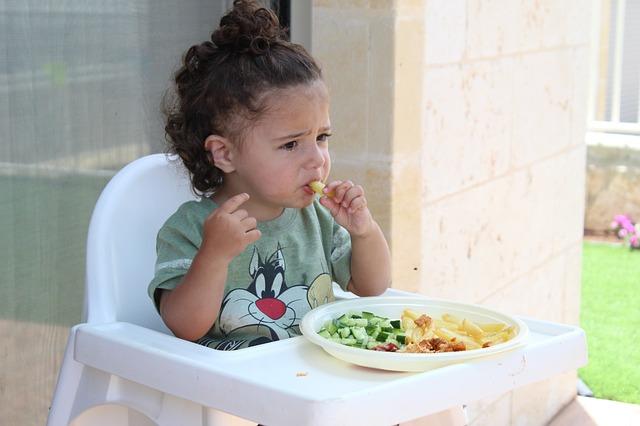 почему нельзя доедать за детьми еду