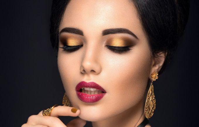 10 вещей, которые можно узнать о женщине по ее макияжу