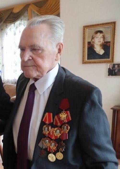 Валентин Месяц: биография, творчество, карьера, личная жизнь
