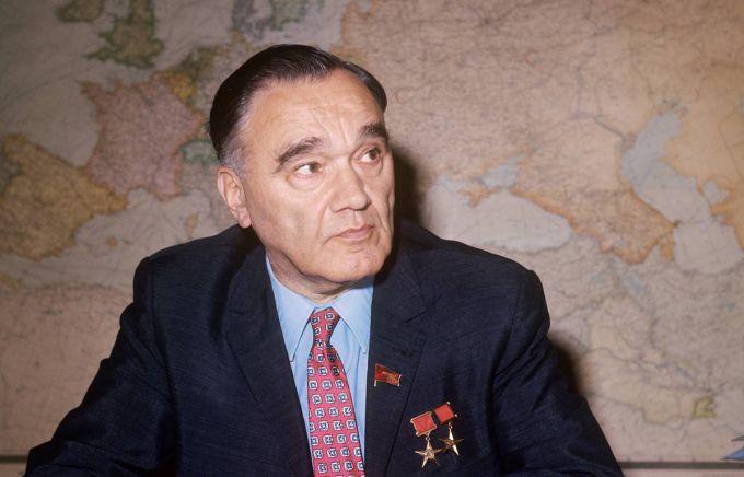 Александр Яковлев, авиаконструктор