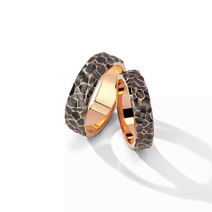 Дизайнерские золотые кольца