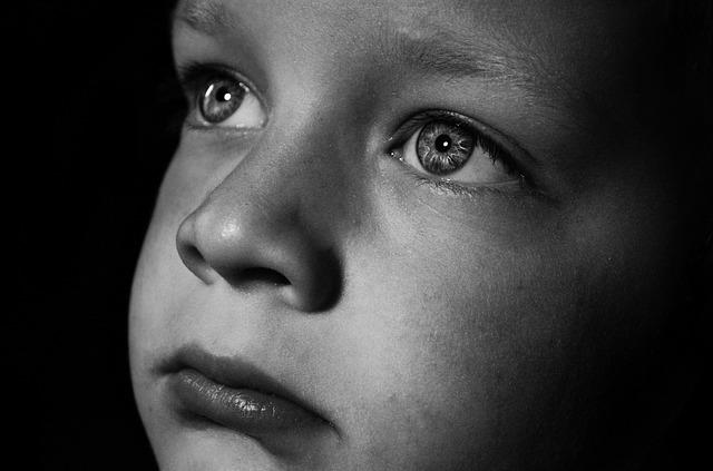 Почему возникает невроз у ребенка