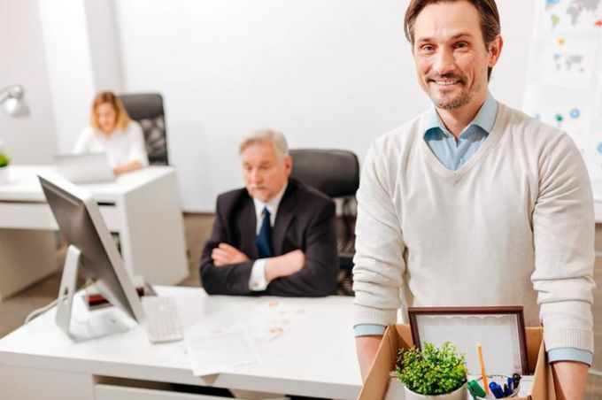 Как в 1С бухгалтерия 8.3 начислить компенсацию при увольнении