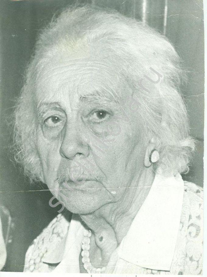 Александра Стрельникова