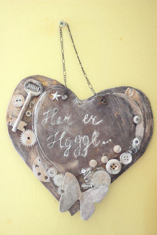 Как своими руками сделать необычную табличку на дверь в форме сердца