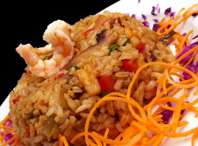 Как приготовить плов в японском стиле с морепродуктами и тунцом