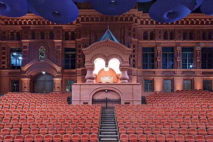 Музыкальный театр «Геликон-опера» на Большой Никитской предстал зрителям в обновленном виде совсем недавно
