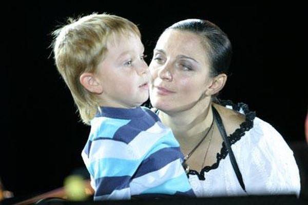 Елена Ваенга со своим единственным сыном
