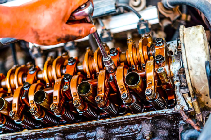 Простой способ без капремонта временно устранить «жор» масла у двигателя
