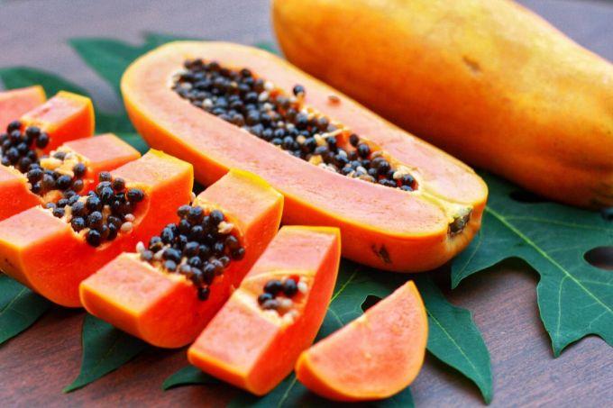 В чем польза папайи и как ее едят