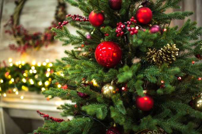 Как оригинально украсить новогоднюю елку