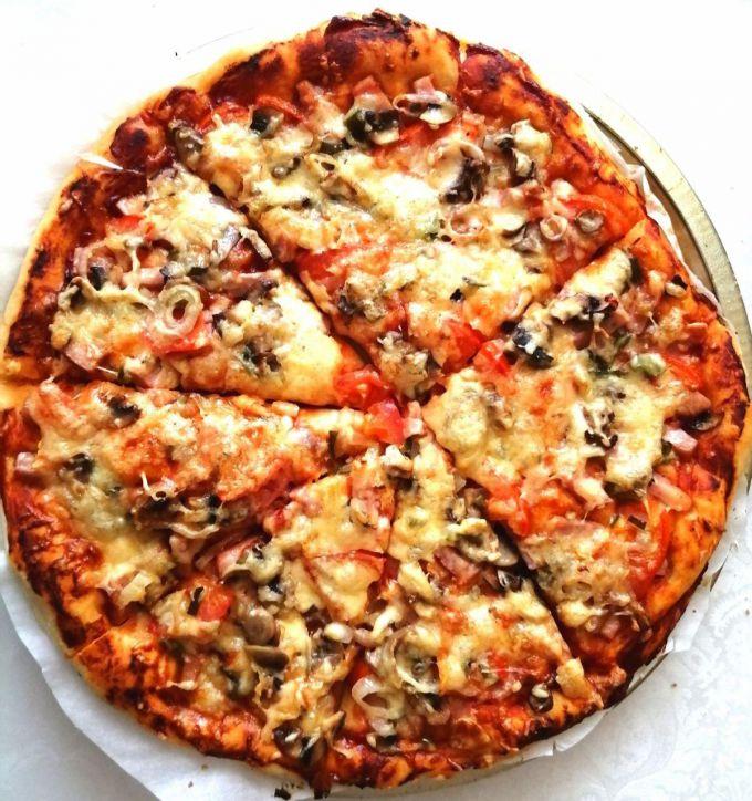 Как быстро приготовить пиццу с грибами и мясом
