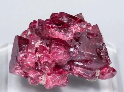 Шпинель: внешний вид и свойства камня