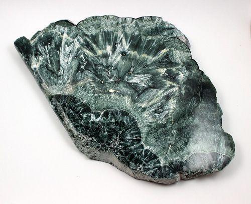 Серафинит: внешний вид и свойства камня