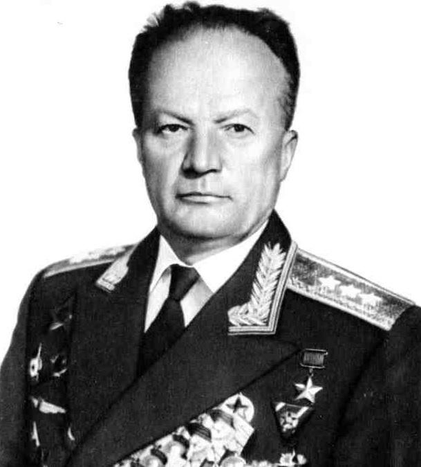 Николай Каманин