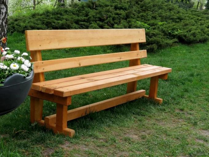 Простая скамейка.