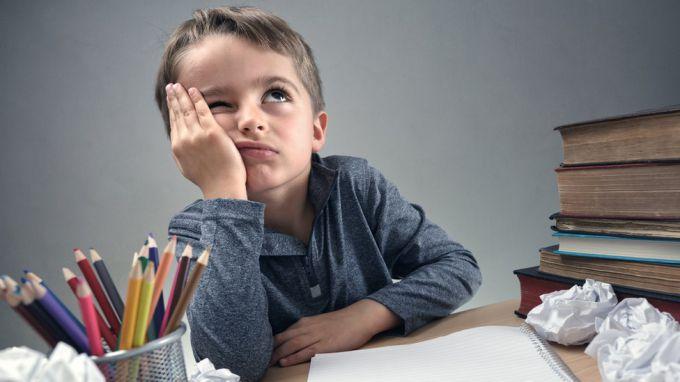 Надо ли учить уроки вместе с ребенком?